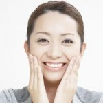 敏感肌で乾燥肌用化粧品の口コミ!セラミド配合でおすすめは?