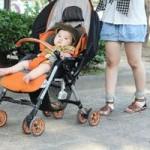 赤ちゃんの紫外線対策はいつから?ベビーカー用グッズはこれ!