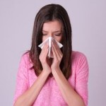 花粉症で鼻水がひどい!止める方法と出ないようにするには?