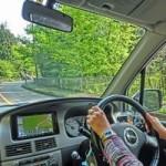 車の安全運転のコツは?ウインカーのタイミングと心がけること
